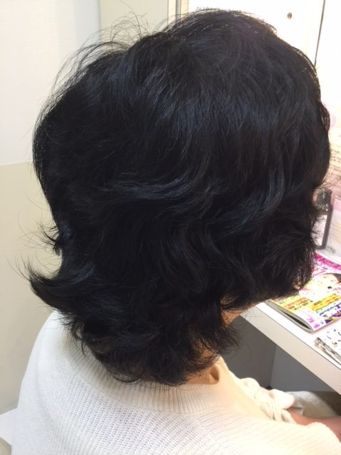 医療用ウィッグを卒業!抗がん剤治療後に生えてきた髪をカットして自毛デビュー