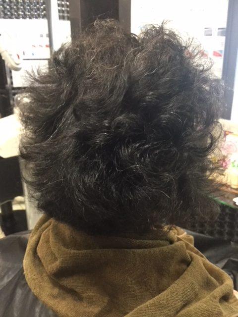 抗がん剤治療後の強いくせ毛に縮毛矯正&カット&マニキュア そしてシールエクステ!