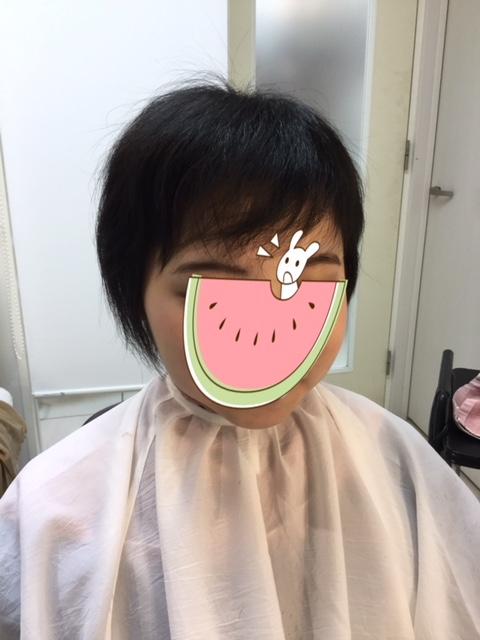 少し薄めの前髪にシールエクステを足してみました