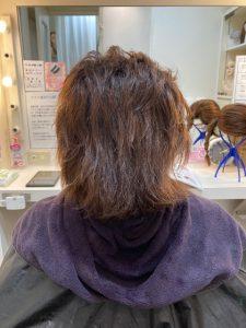 抗がん剤治療後のくせ毛のお手入れ。カラーカット、ストレートパーマそしてトップピース!